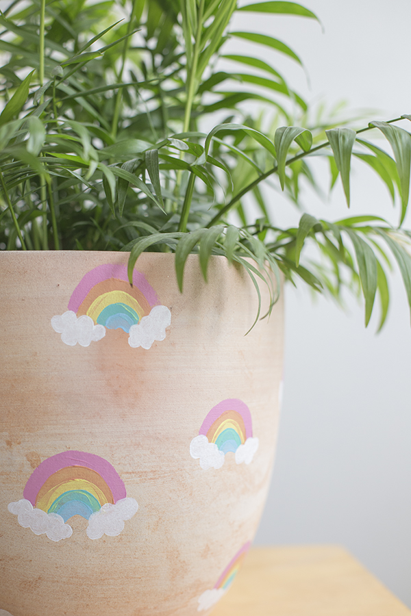 macetero-pot-arcoiris-rainbow-niños-kids-decoracion-planta-deco-plant-diy-4