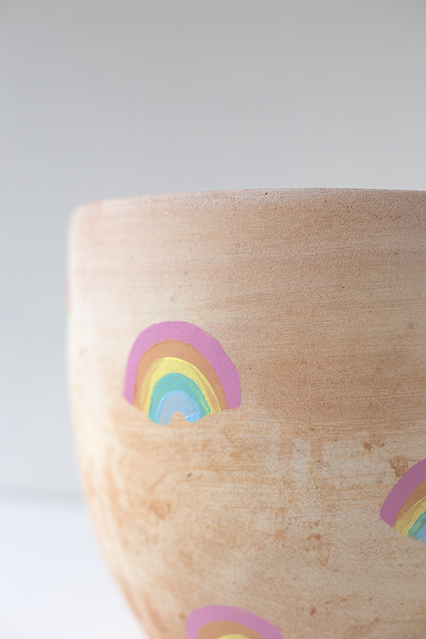 macetero-pot-arcoiris-rainbow-niños-kids-decoracion-planta-deco-plant-diy-paso1