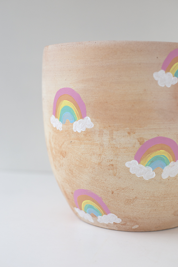 macetero-pot-arcoiris-rainbow-niños-kids-decoracion-planta-deco-plant-diy-paso2